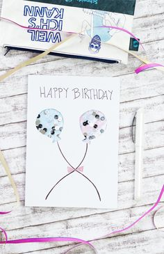 Anzeige / DIY Schüttelkarte zum Geburtstag basteln: mit dem Glam VIP von Schneider zeige ich euch, wie ihr eine tolle Geburtstagskarte mit Wow Effekt einfach und günstig selber machen könnt. Durch seine individuelle Anpassbarkeit ist die Geburtstagskarte für jeden Personenkreis (z. B. für Männer, Frauen, Kinder, Mütter oder die beste Freundin) geeignet. #basteln #geburtstagskarte #Schneiderpengermany #Füller #Schreiben