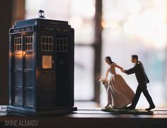 A Tardis cake-topper for a Doctor Who-loving bride and groom in Atlanta! Photography by Anne Almasy