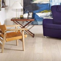 Plank Ask Natur i hvid matlak 14 x 189mm. Kvalitets trægulv
