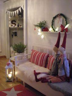 Christmas Tree Box Stand, Easy Christmas Ornaments, Handmade Christmas, Christmas Crafts, Swedish Christmas, Scandinavian Christmas, Green Christmas, Christmas Holidays, Vibeke Design
