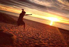 #LeighVLoves #AGratefulHeart  #Gratitude #Happiness #HappinessIs #MomentsOfGratitude #sunset #jump #beach #morningtonpeninsula