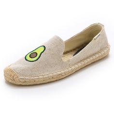 Soludos Jason Polan x Soludos Avocado Smoking Slipper Espadrilles (¥8,855) ❤ liked on Polyvore featuring shoes, sandals, sand, woven shoes, soludos shoes, espadrilles shoes, embroidered shoes and soludos