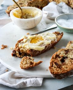 Soda Bread with Milk Chocolate and Salted Honey Butter. - How Sweet Eats Easy Bread Recipes, Banana Bread Recipes, Quick Bread, Sweet Breakfast, Breakfast Dessert, Cooking Bread, Honey Butter, Soda Bread, Bread And Pastries