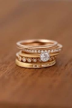 Tri-tone stacked rings