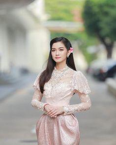 @prapyeramida Traditional Thai Clothing, Myanmar Traditional Dress, Traditional Fashion, Traditional Dresses, Thai Wedding Dress, Kebaya Dress, Thai Fashion, Thai Dress, Beautiful Gowns