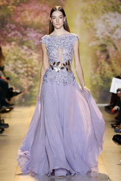 Zuhair Murad delivers a gorgeous bouquet of tempting creations in his latest collection. Take a look at pictures of Zuhair Murad Haute Couture Collection for Spring/Summer 2014 on Arabia Weddings. Fabulous Dresses, Beautiful Gowns, Pretty Dresses, Beautiful Outfits, Gorgeous Dress, Zuhair Murad, Haute Couture Gowns, Couture Fashion, Fashion Week