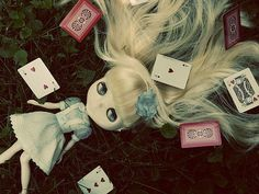 Not usually into the Blythe dolls but an Alice Blythe would be awesome!
