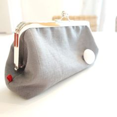 This stylish retro grey linen handbag is a love affair with mid-century modern. Stunningly unique gift for friends, family or especially yourself, this clutch will be a stand-out in any crowd, at any event. Clutch Purse, Coin Purse, Retro Fashion, Women's Fashion, Girly Things, Girly Stuff, Linen Fabric, Everyday Fashion, Gifts For Women