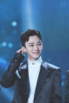 He is so pure like a beautiful angel 😔❤️ Exo Ot12, Chanbaek, Chanyeol Baekhyun, Exo Concert, Kim Minseok, Xiuchen, Do Kyung Soo, Kpop Exo, Exo Members