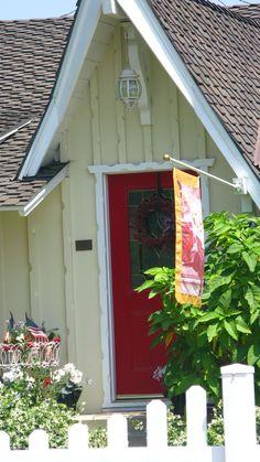 white front door yellow house. Nice Accent Of Green On Door. | Reno Pinterest Yellow Houses, Doors And House White Front Door