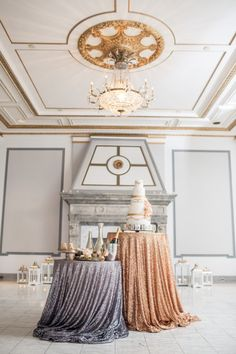 Sequin Tablecloth white and gold
