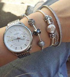 #pandora #myarmparty #myarmcandy #@theofficialpandora #pandorabracelets #pandoralover #pandorajewelry #pandorainlove #pandoraessencecollection #jewellerydesign #jewellery #mystylepandora #myPandora #pandorandco #myunforgettablemoment #my_pandora_story #theofficialpandora #fossilwatch #fossil #pandoratwotone#