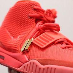 Air yeezy red Octobers