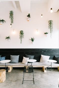 What to Wear to a Morning Meeting at Juice Society - Modern Cafe Shop Design, Coffee Shop Interior Design, Restaurant Interior Design, Modern Restaurant, Tanzstudio Design, Cafe Plants, Paint Colors For Living Room, Shop Interiors, Interior Design Living Room