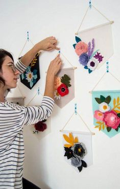 57 Ideas for baby diy wall shower gifts Paper Flowers Diy, Felt Flowers, Flower Crafts, Fabric Flowers, Flower Art, Felt Diy, Felt Crafts, Paper Crafts, Diy Crafts