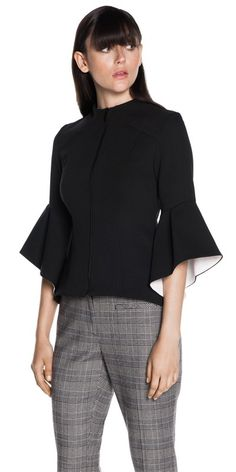 Love the two-toned sleeves! Not sure how appropriate this is for summer, but I love this top!
