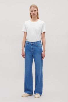 COS image 1 of Straight wide-leg jeans in Vintage blue Wide Leg Trousers, Wide Leg Jeans, Trousers Women, High Waist Jeans, Pants For Women, Clothes For Women, Weekend Outfit, Black Pants, Blue Jeans