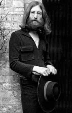 Love is the answer, and you know that for sure. John Lennon at Tittenhurst Estate, August 1969 John Lennon 1969, Jhon Lennon, John Lennon Yoko Ono, John Lennon Beatles, Beatles One, Beatles Photos, Rock N Roll, Old Movie Stars, The Fab Four