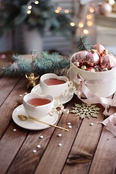 Discovered by Shan. Find images and videos about winter, christmas and tea on We Heart It - the app to get lost in what you love. Christmas Mood, Noel Christmas, Pink Christmas, Good Morning Christmas, Beautiful Christmas, Café Chocolate, Theme Noel, Christmas Aesthetic, Coffee Love