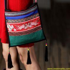 Liebo New Embroidery Wood Bead Tassel Bag