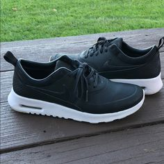 new style 7f632 5b135 Shop Women s Nike Black size 8 Sneakers at a discounted price at Poshmark.  Description  Black Nike AirMax Thea size 8 only worn 3 times!
