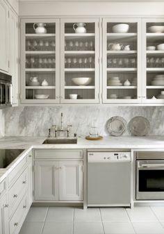 Kitchen Countertop Marble and Look-alike Alternatives | Classy Glam Living Statuario statuarietto calacatta carrera Caesarstone calacatta Nuvo Super white granite