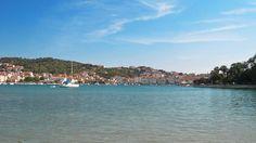 Statiunea Trogir, Croatia  Trogir, o bijuterie a coastei dalmate - galerie foto.  Vezi mai multe poze pe www.ghiduri-turistice.info San Francisco Skyline, Travel, Pictures, Croatia, Viajes, Destinations, Traveling, Trips