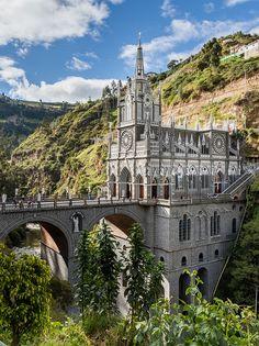 Santuario de las Lajas, Colombia. #colombia #travel #viajar http://escapadafindesemana.org/