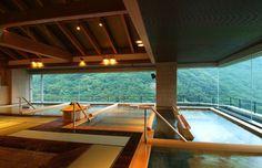 温泉 Onsen 贅沢の極み・温泉30種類。 全てのお客さまに利用されるお風呂は常に力を入れています。 保湿効果の高い泉質により、お客さまから化粧水いらないねとのお声も多く、根強いファンが多いのもそ... Japanese Bath House, Japanese Hot Springs, Interior And Exterior, Interior Design, Zen Room, Outdoor Baths, Spa Design, Dream Pools, Japanese Architecture