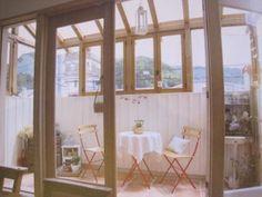憧れのコンサバトリー【オーガニックハウス スタッフブログ ... Side Extension, Home And Deco, Conservatory, Sunroom, Tiny House, Terrace, Diy And Crafts, Home And Garden, Architecture