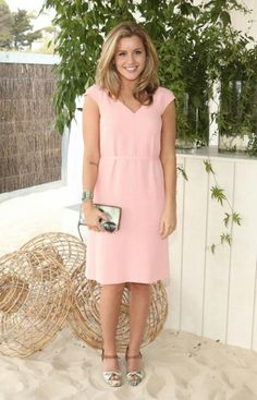 Caggie Dunlop - hair and dress please.