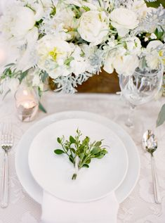 gorgeous natural table setting