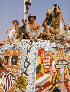 THE60SBAZAAR:  Fantastical hippie bus!