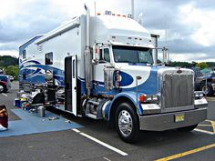 Peterbilt Motor Home by jack byrnes hill (thank you for 500,000 views), via Flickr