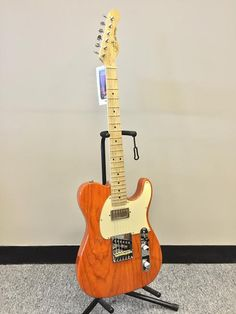 G&L ASAT Tele Classic Blues Boy Electric Guitar, Made in USA Hand wound Pickups, Hand Painted, Amazing tone and playability Designed by Leo Fender Comes with Phyllis Fender Certified Paperwork This gu