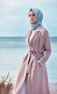 Trendy Coat Style Abaya for winter – Girls Hijab Style & Hijab Fashion Ideas, Islamic Fashion, Muslim Fashion, Modest Fashion, Trendy Fashion, Fashion Outfits, Trendy Style, New Abaya Style, Hijab Style, Hijab Chic