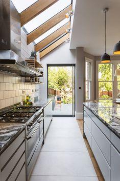 Kitchen Extension Terraced House, Kitchen Extension Side Return, House Extension Design, Side Extension, House Design, House Extension Plans, Fancy Kitchens, Home Kitchens, Open Plan Kitchen Dining Living