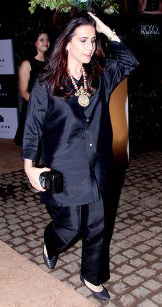 Sunita Kapoor at Simone Khan's store launch. Pakistani Fashion Casual, Abaya Fashion, Diva Fashion, Bollywood Fashion, Indian Fashion, Indian Wedding Guest Dress, Dress Indian Style, Wedding Dress, Indian Gowns Dresses