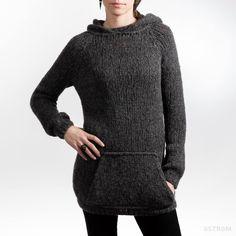 Hand knitted sweater by Rebekku á Fjallinum.