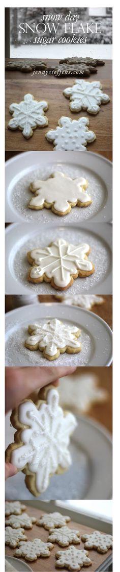 Christmas Cookies!  Easy Snowflake Sugar Cookies  http://jennysteffens.blogspot.com/2012/12/easy-easy-snowflake-sugar-cookies-just.html