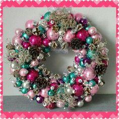 Kerstkrans Ornament Wreath, Ornaments, Wreaths, Home Decor, Xmas, Deco Mesh Wreaths, Embellishments, Garlands, Home Interior Design