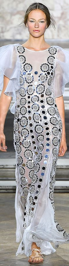 Temperly London Spring 2016 RTW ♔ Très Haute Diva ♔ ♔ For more fashion visit my website at http://www.treshautediva.com/temperley-london-spring-2016-pinterest