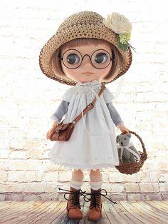 ◆Blythe Outfit◆キラキラビーズ刺繍白ワンピ13点set NO56_ブライス本体・眼鏡は付属しません。