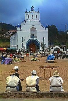 San Juan Chamula Mexico  Maravilloso Chiapas. Een georganiseerde rondreis Mexico met manlief in 2003.
