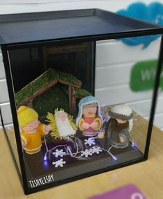 Handmade Nativity scene in my Curiosity Cube Curiosity Approach Eyfs, Curiosity Box, Reggio Emilia Classroom, Ice Painting, Tuff Spot, Creative Area, Tuff Tray, Small World Play, Alphabet Cards