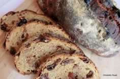 Pane ricco...uvetta, noci e fichi Bread Baking, Banana Bread, Food And Drink, Desserts, Breads, Food Items, Pies, Baking, Tailgate Desserts