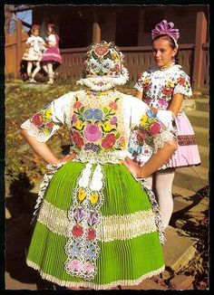 Kalocsa; Népviselet | Képeslapok | Hungaricana Polish Folk Art, Princess And The Pea, Hungarian Embroidery, Folk Dance, Ethnic Dress, Folk Costume, My Heritage, Traditional Dresses, The Little Mermaid