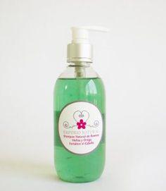 Fortalecedor de cabello. Con aceite esencial de Romero, Melisa y Ortiga. Presentación 250 ml
