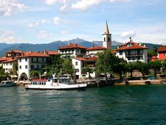 From Stresa you can take a water taxi and tour the 3 small Borromean Islands (and 2 islets) known for their picturesque villas, palaces and gardens.