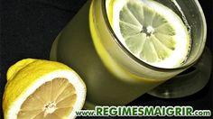 Eau chaude et citron, parfait pour un réveil tonique et démarrer la journée